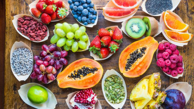 Людям со второй группой крови мясо желательно исключить совсем. На пользу пойдут самые разнообразные фрукты и овощи. Можно употреблять молочные продукты в небольших количествах, можно кисломолочные либо вообще соевые заменители