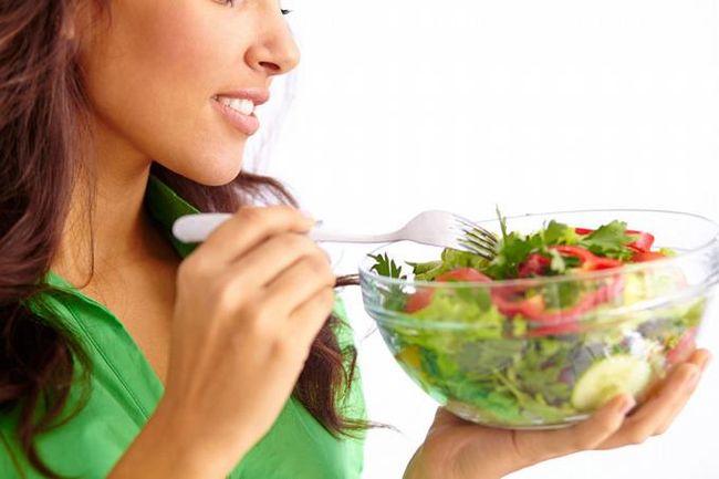 Диета в стадии обострения при хроническом холецистите не отличается от лечебного питания, применяемого при остром холецистите