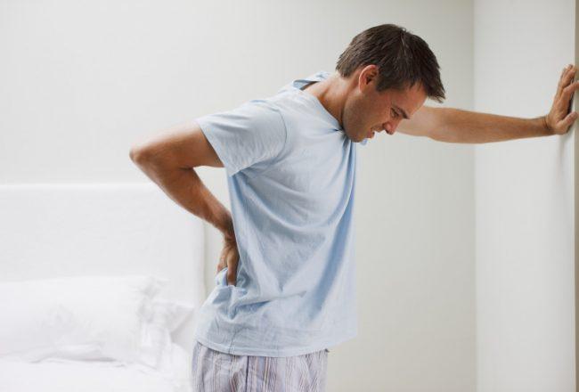 Суппозитории снимают боль, устраняют спазмы и отечность, а также имеют жаропонижающий и противовоспалительный эффект. Ректальное введение позволяет снизить негативное влияние компонентов препарата на состояние слизистой поверхности желудка