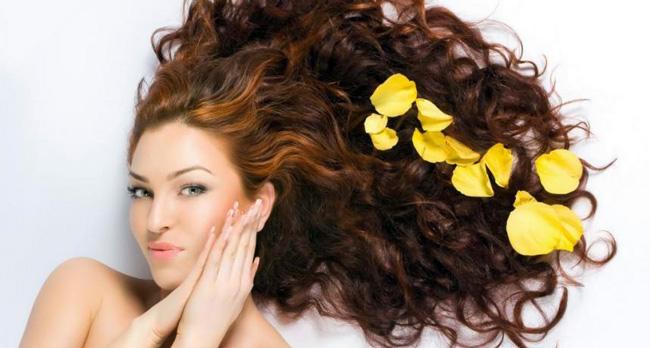 Эфирные масла укрепляют и оздоравливают волосы
