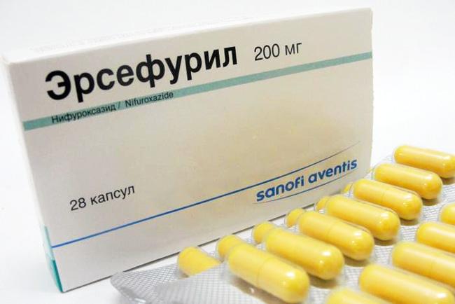 Эрсефурил — это кишечный антисептик, не являющийся антибиотиком. Применяется в качестве антидиарейного препарата с целью устранения причин нарушения стула