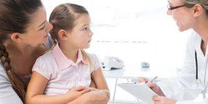 Хирургические меры применяются в разы реже, т.к. развитие различных опухолей или абсцессов у детей бывает не часто, а вот прием лекарств - это стандартная процедура, которая и эффективна, и часто применяемая.