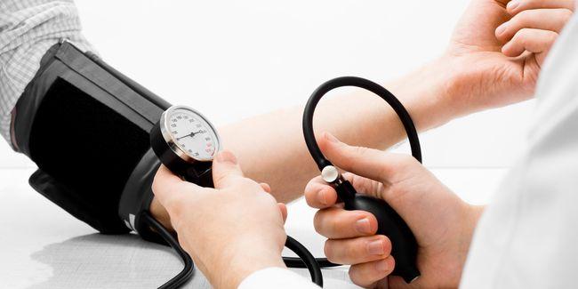 Гипертония наблюдается у 35% мужчин среднего возраста
