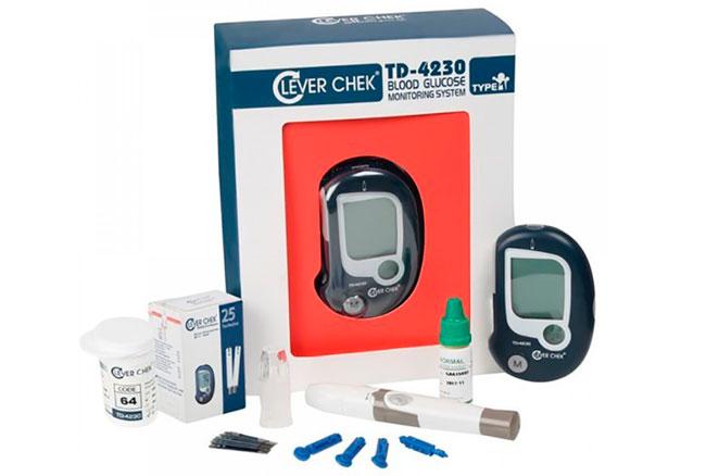 Глюкометр Clever Chek обладает отличными техническими характеристиками - он проводит тест в течение 10 секунд, а для определения уровня сахара требуется небольшое количество крови – 2 мкл