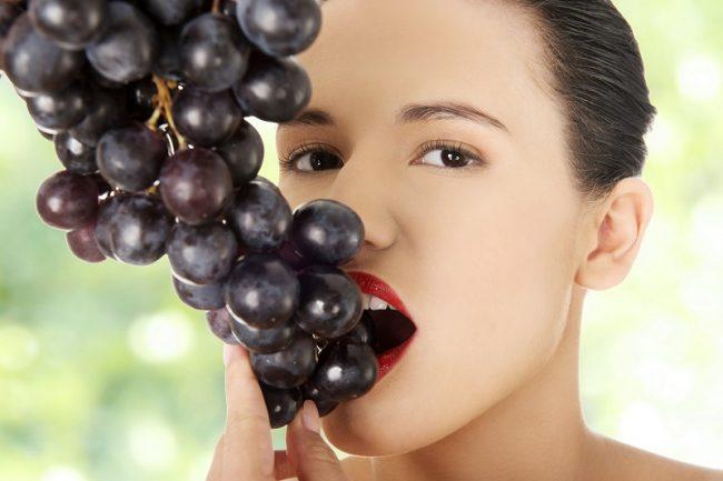 Горечь во рту может сигнализировать о патологиях печени, при которых ей сложно выполнять свои функции. Клетки печени вырабатывают желчь, оттуда она поступает в желчный пузырь и транспортируется в кишечник по мере необходимости