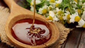 Мед также полезен для мужчин, его лечебные свойства используют для лечения такого мужского заболевания, как простатит
