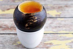 Издавна люди используют редьку с медом для лечения различных простудных заболеваний и бронхитов, этот рецепт актуален для лечения и в наши дни