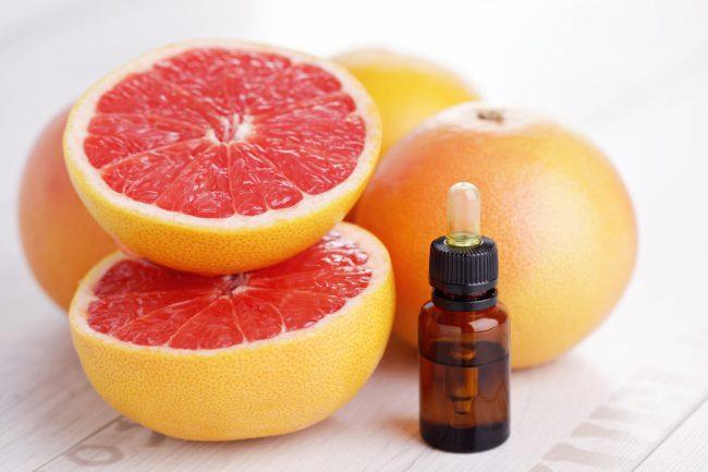 В косметической сфере грейпфрут широко используется в производстве средств, тонизирующих и питающих нежную женскую кожу