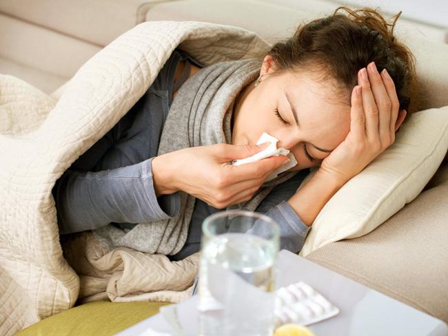Если с появлением первых симптомов гриппа начать лечение, то болезнь проходит в течение 7 дней