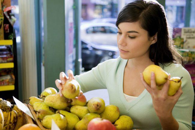 Энергетическая ценность плодов не слишком велика – 100 г полезной мякоти предоставляет нам около 47 ккал. Груши – настоящая витаминная «бомба»