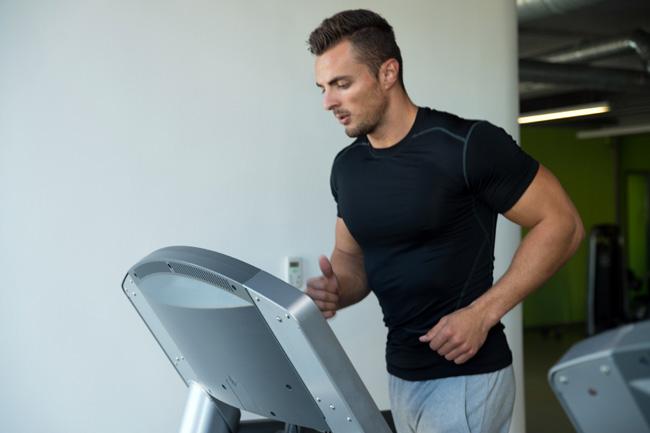 Здоровый образ жизни, сброс лишнего веса - предпосылки к избавлению от храпа у мужчин
