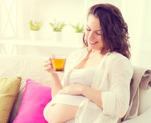 При патологиях беременности, например, при повышенном тонусе матки и угрозе самопроизвольного прерывания беременности или преждевременных родов от употребления блюд с добавлением корня лучше отказаться