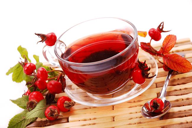 Отвар из этих плодов шиповника – настоящий кладезь витаминов