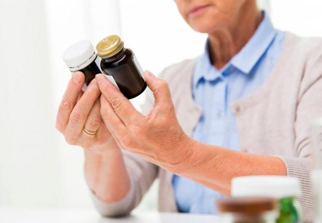 В аптеках можно приобрести аналоги препарата на основе других активных веществ, но с теми же показаниями и противопоказаниями