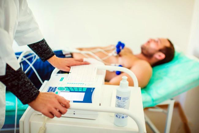 Чтобы приступить к лечению, нужно определить причину, которая спровоцировала жжение в области сердца