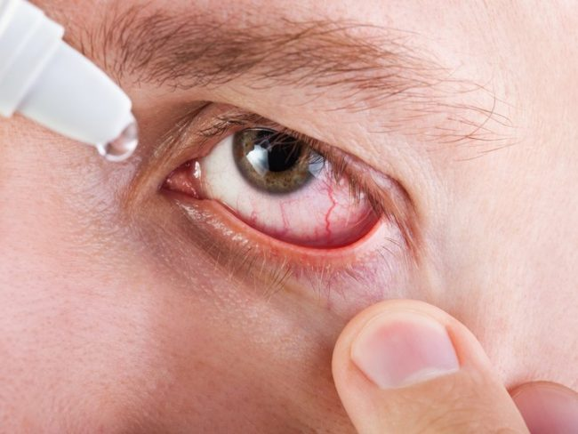 Большое количество антиоксидантов в глазных каплях позволяют защитить зрение от серьезных проблем в будущем
