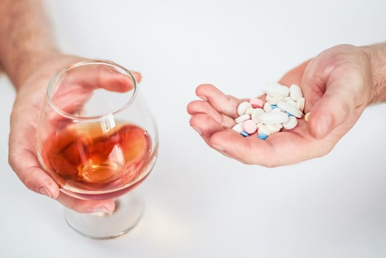 Прием алкогольных напитков во время лечения препаратом недопустим