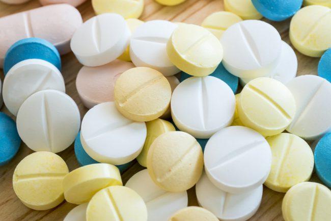 Лечение следует начинать с наименьших доз и медленно увеличивать дозу до максимально эффективной дозы. Решение о продолжительности лечения принимает врач