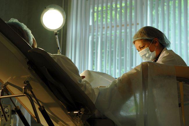 Кольпоскопия шейки матки делается на протяжении 15-ти минут.