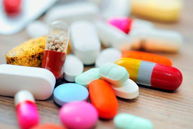 Йодинол не совмещают с препаратами, содержащими в составе аммиак. Синий йод нельзя использовать с эфирными маслами