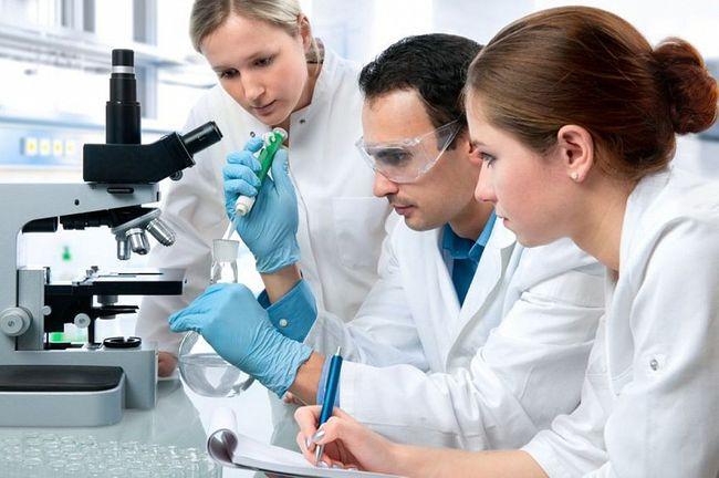 При первых симптомах заболевания необходимо обратиться к врачу и пройти обследование