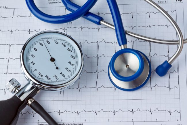 Лизиноприл показан при артериальной гипертензии, сердечной недостаточности (в качестве средства симптоматической терапии)