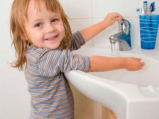 Соблюдение простых рекомендаций и обучение ребенка правилам личной гигиены позволит значительно снизить риск повторного заражения
