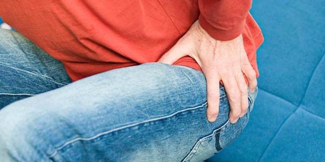 Применение мази Индовазин при геморрое, купирует болезненные ощущения, активизирует циркуляцию крови в области поражения