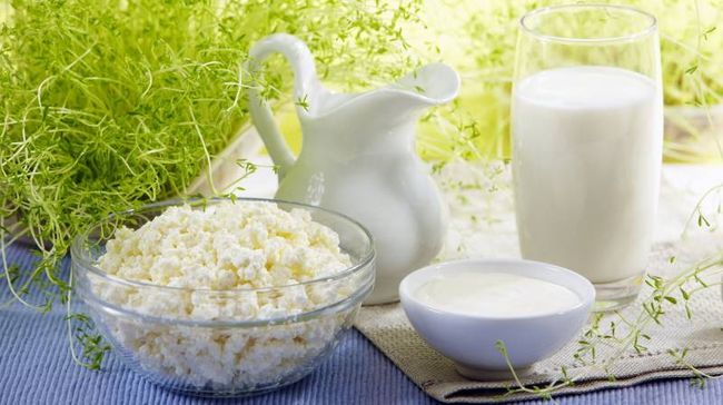 Недостаток кальция в организме зачастую связан с отсутствием в рационе кисломолочной продукции