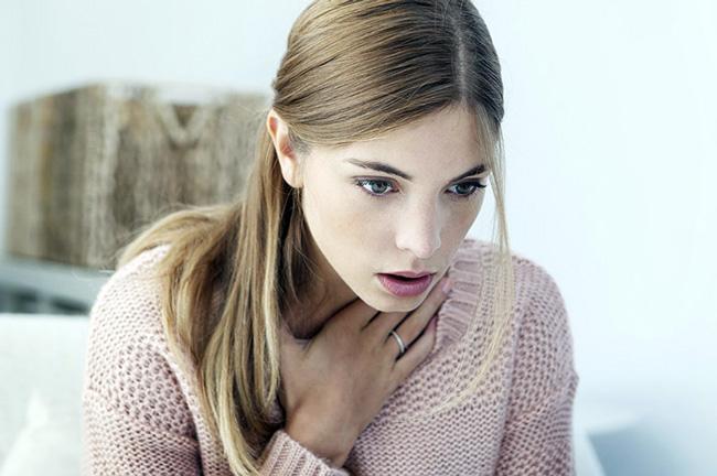Препарат может вызвать побочные эффекты в виде тошноты, болей в животе, поноса, зуда и кожных высыпаний, одышки