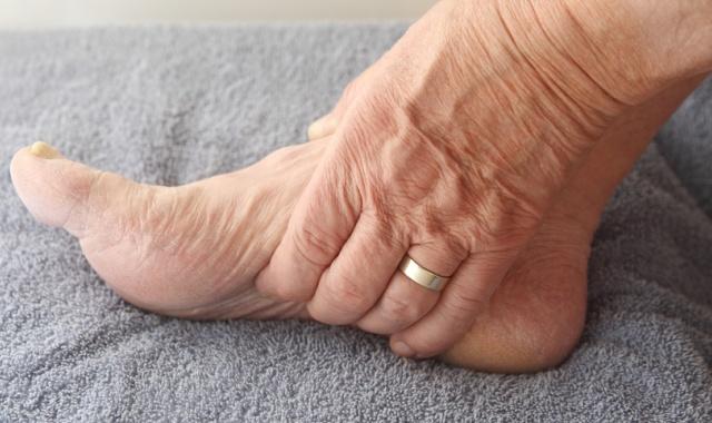 oldmen-sudorgi-in-legs