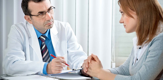 Если профилактика отрыжки не приносит результатов, необходимо обратиться к врачу, для определения причины отрыжки и назначения лечения