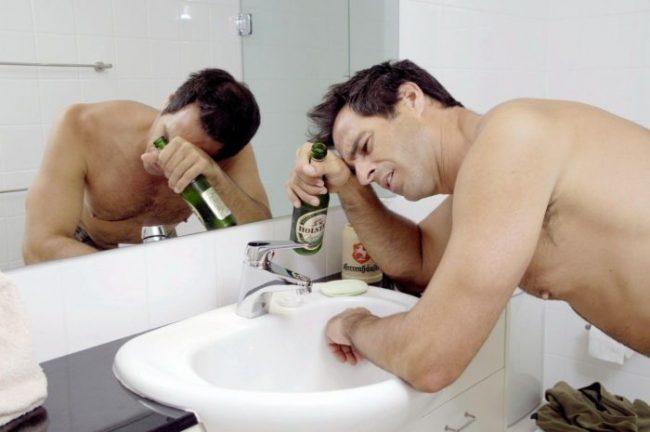 Парацетамол помогает избавиться от головной боли, болевых ощущений, вызванных после употребления алкоголя. Парацетамол быстро избавит вас от похмелья.
