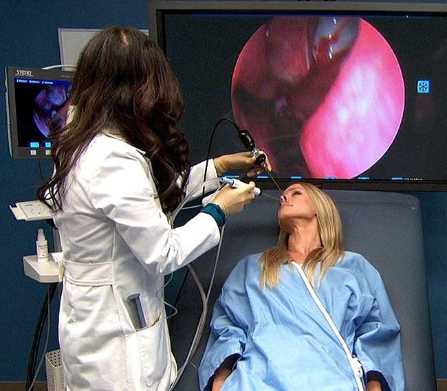 Эндоскопическое удаление с помощью шейвера - максимально точная манипуляция, операция малотравматична, поэтому редко вызывает осложнения и рецидивы