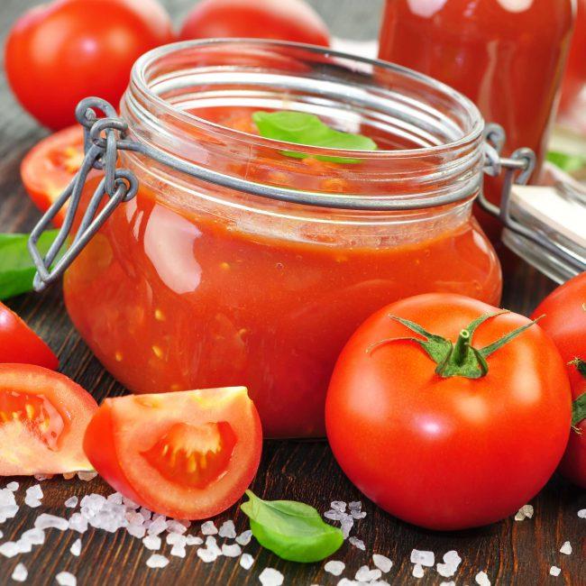 Полезные свойства томатного сока обусловлены богатым витаминно-минеральным составом