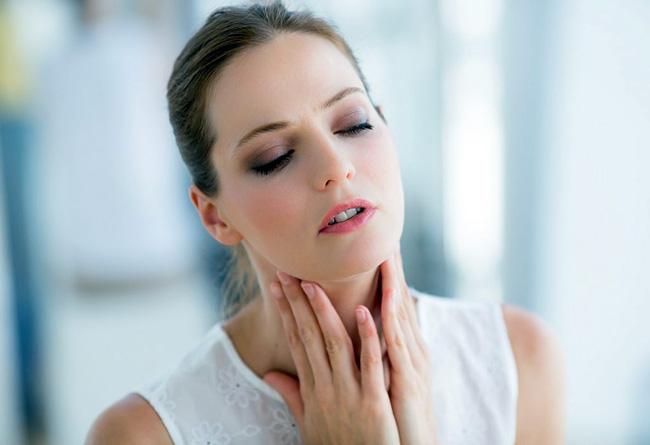 Фарингосепт применяют для симптоматического лечения инфекций слизистой оболочки полости рта и носоглотки: гингивита, стоматита, тонзиллита, ангины, фарингита. Профилактики инфекционных осложнений после тонзиллэктомии и экстракции зубов