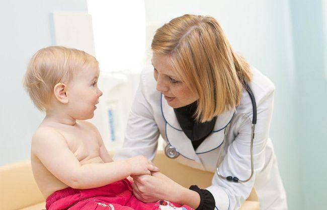 При повышении тромбоцитов у ребенка к врачу необходимо обращаться сразу. так как это позволит быстрее справиться с проблемой