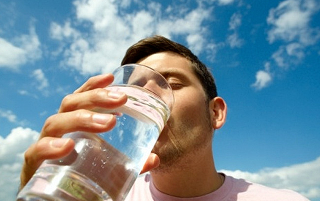 Употребление большого количества воды и прием препаратов способствующих разжижению крови, помогут привести кровь в нормальное состояние