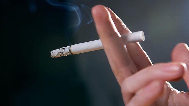 Курение часто становится причиной повышенного давления