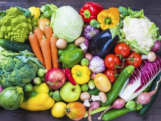 По мнению диетологов, лучше отдать предпочтение фруктам по сезону, выращенным в вашем регионе, т.к. экзотические плоды могут спровоцировать аллергию