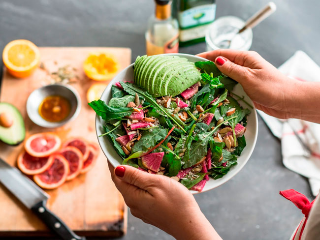 Меню белковой диеты основано на белковой пище, при этом продукты содержащие жиры и углеводы сводятся к минимуму
