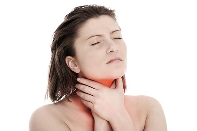 Декатилен показан к применению при грибковых или бактериальных патологиях полости рта или глотки