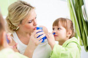 Каждые родители должны знать, как приготовить и использовать солевой раствор в лечебных целях