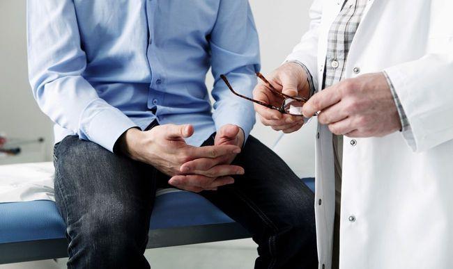 Лечение простатита начинается после посещения врача. Бывает антибиотикотерапия и противовоспалительная терапия простатита.