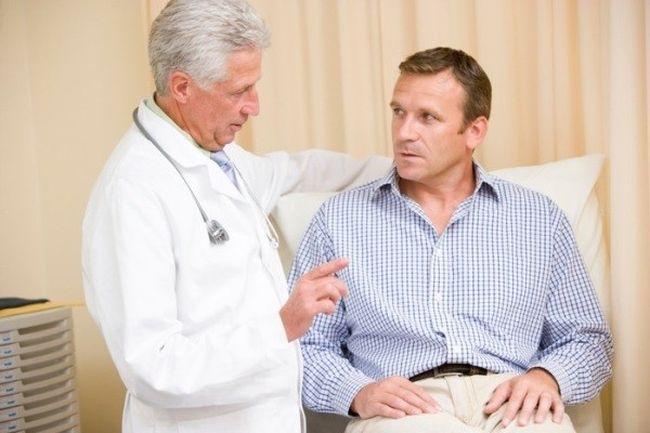 Перед началом простатита необходимо обязательно пройти обследование у врача.