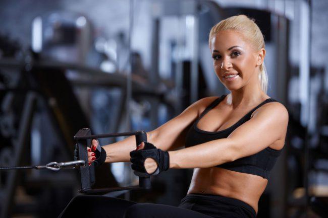 Проблема многих женских диет заключается в недоборе белка, который содержится в мясе, рыбе, яйцах, твороге, бобовых, некоторых крупах