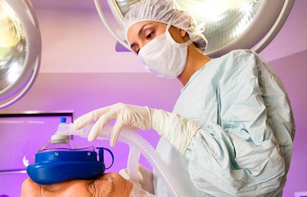 Процедура представляет собой операцию, заключающуюся в удалении мочевого пузыря, любые лимфатические узлы и наиболее близкие органы, которые уже заражены