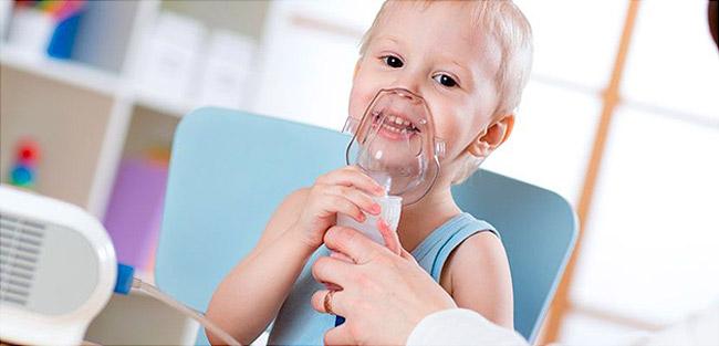 Ингаляции с лазолваном - одно из лучших средств для устранения патологических процессов в органах дыхательной системы у детей