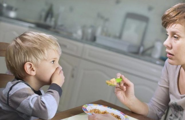 Рвота не является отдельным, самостоятельным заболеванием, поэтому первые признаки - это клинические проявления первопричины рвотного рефлекса