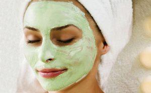 Помимо сельдерея в маску можно добавлять любые природные ингредиенты, действие которых направленно именно на вашу проблему